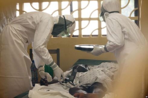 Đại dịch Ebola: Một tuần với những quyết định sống còn - ảnh 1