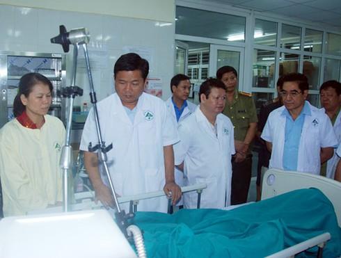 Miễn viện phí cho nạn nhân vụ xe khách: Bộ Y tế yêu cầu BV báo cáo - ảnh 1