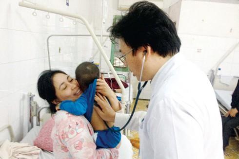 Hà Nội: Nhiều trẻ nhập viện vì bệnh tay chân miệng - ảnh 1