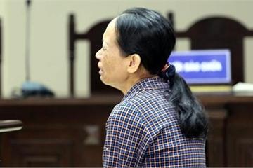 Người mẹ đơn thân đánh chết con trai khóc nức nở tại tòa