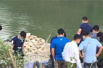 Hòa Bình: Kinh hoàng phát hiện thi thể nam giới phân hủy mạnh bên suối nước