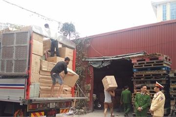 Phát hiện 3 xe tải chở hàng lậu trên cao tốc Hà Nội - Lào Cai