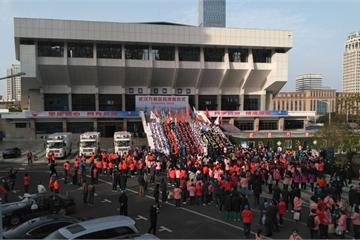 """Vũ Hán sắp kết thúc phong tỏa,TQ lại tiếp tục cuộc chiến với corona """"nhập khẩu"""""""