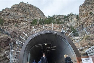 Mỹ đưa nhân viên chiến lược xuống căn cứ ngầm để trốn Covid-19