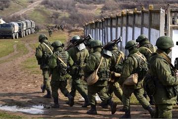 """Giải mã """"chiến tranh lai"""" - chìa khóa để Nga thu hồi Crimea"""