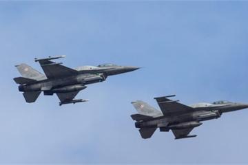 """Máy bay chiến đấu của Nga bị F-16 và MiG-29 Ba Lan """"truy đuổi"""" trên biển Baltic?"""