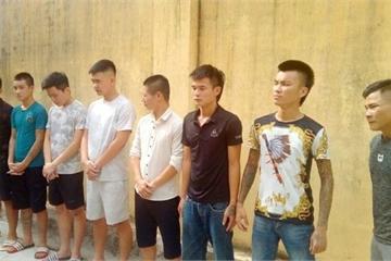 Thanh Hóa: Bắt ổ nhóm thu tiền bảo kê xe taxi và người thu mua sò ở bến thuyền