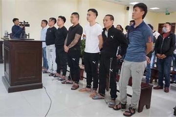 """21 đối tượng trong """"Công ty tài chính Nam Long"""" lĩnh án gần 100 năm tù"""