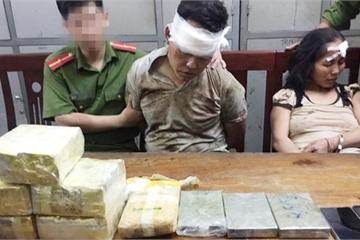 """Nghẹt thở cuộc vây bắt cặp vợ chồng buôn bán ma túy """"khủng"""" ở biên giới Nghệ An"""