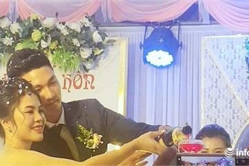 """Thủ môn điển trai Nguyễn Văn Hoàng tổ chức đám cưới """"cực giản dị"""" tại quê nhà"""