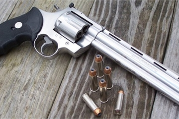 Hải Phòng: Phát hiện đối tượng mang súng colt mỗi khi ra đường suốt 5 năm