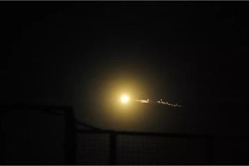 Quân đội Syria báo cáo đã đẩy lùi cuộc tấn công tên lửa của Israel