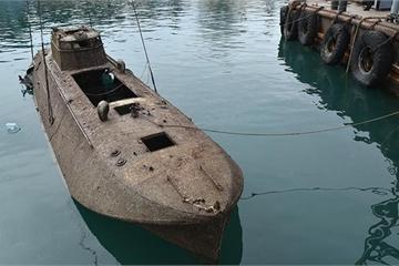 """Nga trục vớt tàu phóng ngư lôi """"siêu khủng"""" dưới đáy Biển Đen"""