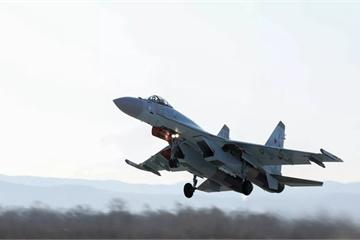 """Tiêm kích Su-35 sẽ khiến các chiến đấu cơ của Mỹ """"bốc hơi""""?"""