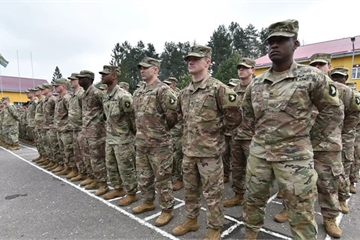 """""""Không buông tha"""" NATO, Covid-19 hoành hành căn cứ quân sự ở Litva"""