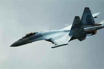 """Mỹ quan ngại về sự cố máy bay tuần tra bị Su-35 Nga """"áp sát"""" nguy hiểm"""