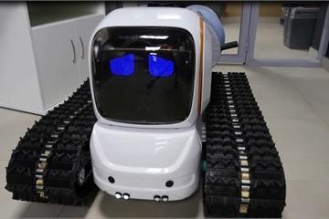 """Nga phát triển """"siêu"""" robot khử trùng chống lại đại dịch Covid-19"""