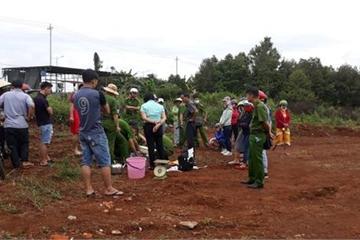 Đắk Lắk: Đau xót phát hiện thi thể bé trai còn nguyên dây rốn trong thùng rác