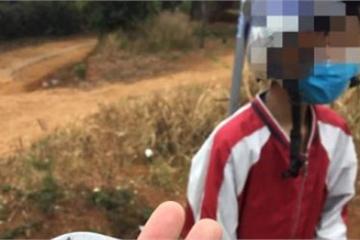 Xôn xao clip nam sinh lớp 8 ở Đắk Nông đi nhờ xe rồi cầm dao cướp điện thoại