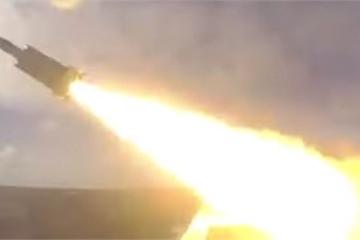 """Video: Đài Loan """"cứng"""" với Trung Quốc, phóng tên lửa siêu thanh để thị uy"""