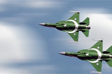 Căng thẳng với Ấn Độ sôi sục, Pakistan vội vã trang bị vũ khí khủng cho máy bay