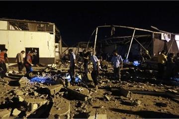 Không kích trúng trại tị nạn ở Libya, hàng chục người thương vong