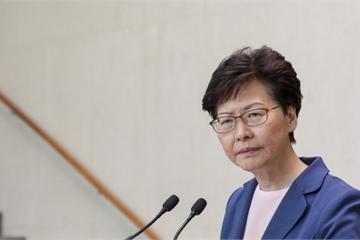 """Trưởng đặc khu Hong Kong tuyên bố đạo luật dẫn độ """"đã chết"""""""
