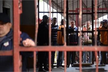 Đụng độ băng đảng ở Brazil, 52 người chết, nhiều người bị chặt đầu