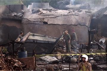 Video: Rơi máy bay quân sự ở Pakistan, 17 người tử vong