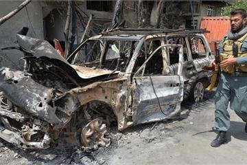 """Sụp đổ đàm phán hòa bình, Taliban tuyên bố sẽ """"chống Mỹ trong 100 năm"""""""