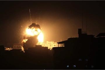 Video máy bay Israel liên tiếp tấn công, gieo rắc hỗn loạn ở Dải Gaza