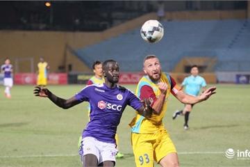 Hòa 2-2 trước đội chót bảng, Hà Nội bỏ lỡ cơ hội đứng đầu