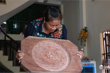 Nghệ nhân tiết lộ bí quyết làm khuôn bánh trung thu đẹp đến từng centimet