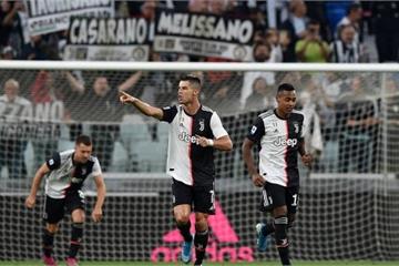 """SỐC: Sau """"ngón tay thối"""", Ronaldo mắng antifan là ngu ngốc"""