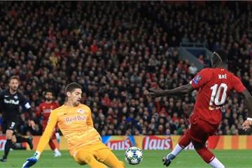 Salah giữ lại 3 điểm cho Liverpool trong trận cầu hàng thủ đội nhà chơi...như mơ ngủ