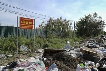 Hà Nội: Kinh hoàng rác thải kéo dài hàng cây số đường tại quận Hà Đông