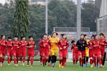"""Sau """"cơn mưa"""" tiền thưởng, đội tuyển nữ Việt Nam đã quay lại tập luyện"""