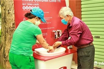 Cận cảnh trạm rửa tay dã chiến phòng chống dịch Covid-19 tại trung tâm TP Hà Nội