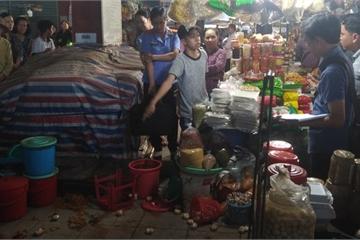Tiền Giang: Một người phụ nữ bất ngờ bị đâm nhiều nhát giữa chợ Thạnh Trị