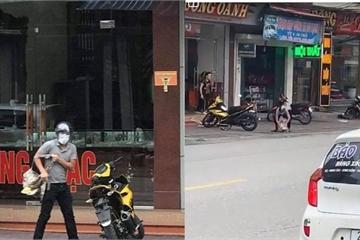 Quảng Ninh: Bị vây bắt, đối tượng cầm súng K54 cướp tiệm vàng để rơi cục tiền