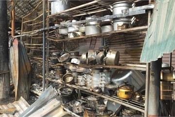 Thanh Hóa: Chợ Tĩnh Gia cháy rụi, tiểu thương lao đao hết kế sinh nhai