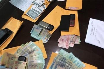 Cảnh sát Cà Mau triệt xóa 2 tụ điểm đánh bạc trong 7 giờ