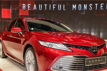 Sedan 1 tỷ đồng: Mazda 6 ế ẩm, Toyota Camry vẫn độc tôn