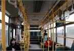 Xe buýt dừng hoạt động, máy bay, tàu hỏa vắng khách chưa từng có