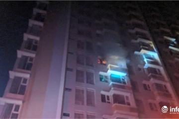 TP.HCM: Cháy ở chung cư Flora Anh Đào, hàng trăm cư dân tháo chạy trong đêm