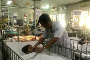 Bé trai 6 tuổi tím tái, ngưng thở vì hóc kèn đồ chơi