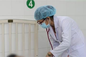 Kịp thời cứu sống bệnh nhi giảm tiểu cầu nghiêm trọng vì sốt xuất huyết