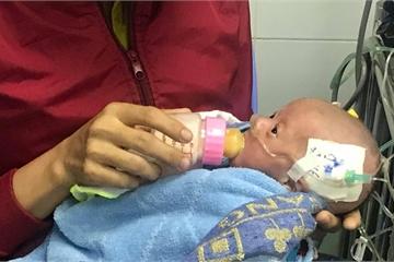 Lần đầu tiên phẫu thuật tim hở cho bé gái chỉ nặng 1,6kg
