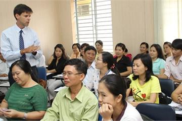 TPHCM: Trưởng phòng, Phó chủ tịch quận phải thành thạo tiếng Anh