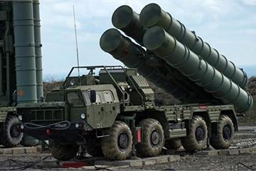 """Bộ trưởng Quốc phòng Thổ Nhĩ Kỳ """"tiết lộ"""" thời điểm triển khai hệ thống S-400"""